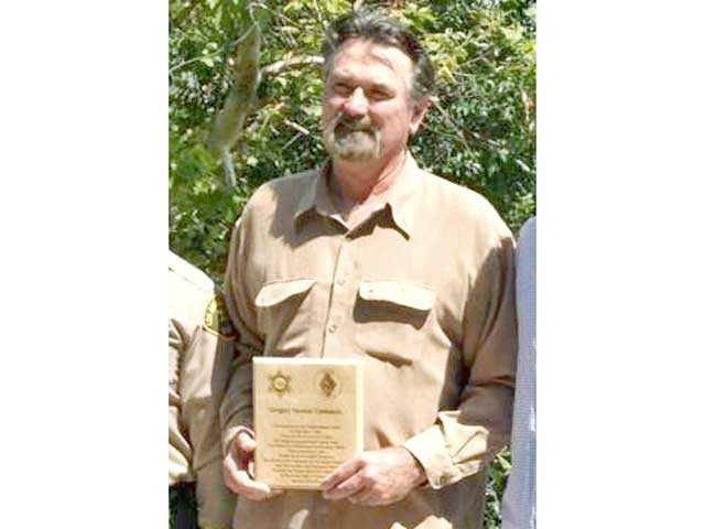 Santa Clarita Valley: Green Valley man receives Valor Award from state