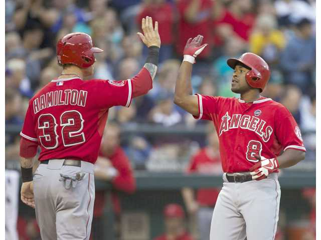 Richards leads Angels past Mariners