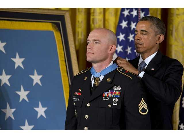 Obama awards Medal of Honor to Afghan war veteran