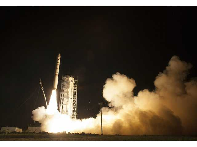 NASA launches robotic explorer to moon from Va.