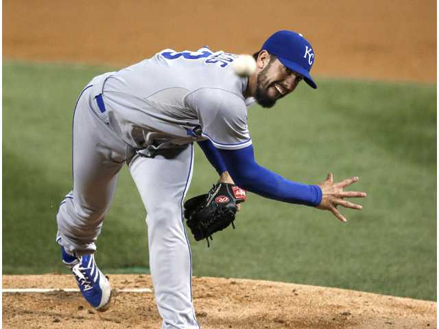 Hart graduate James Shields earns 100th career MLB victory