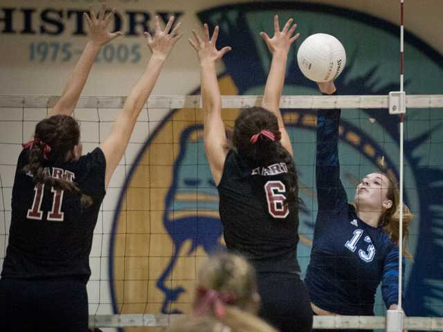 Foothill v-ball roundup: Saugus breaks through