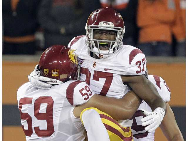 USC tops Oregon State 31-14
