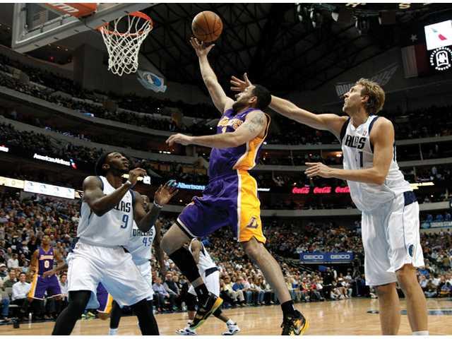 Mavs rout Lakers 123-104