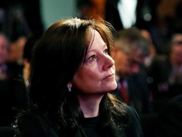 GM names Mary Barra CEO, 1st woman to head car co.