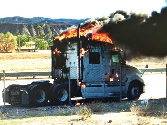 UPDATE: Big rig fire halts freeway traffic in Castaic