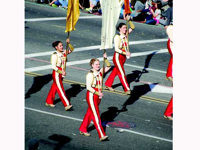 8 SCV students march in 2014 Rose Parade