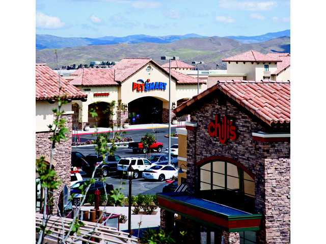 Canyon Country retail center sold