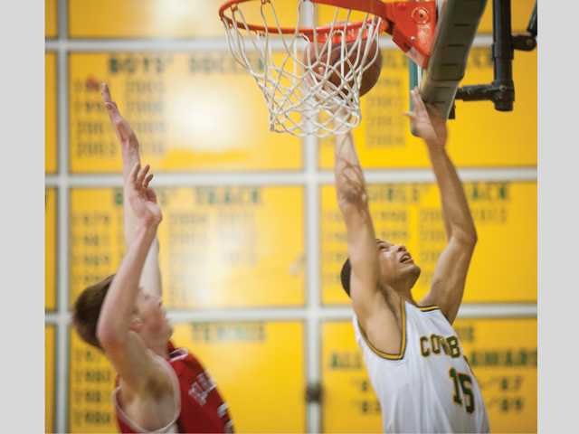 Canyon basketball streaks into semifinals