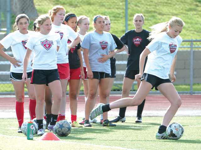 Hart girls soccer playing for first CIF championship since 1999