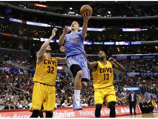 Clippers pound Cavs for 11th straight win