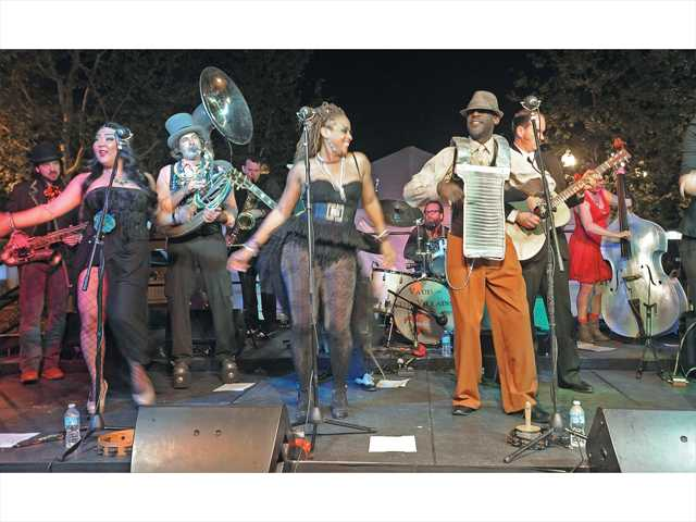 Senses roars back to Newhall