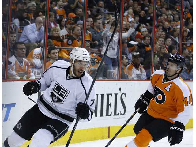 King lifts Kings past Flyers 3-2