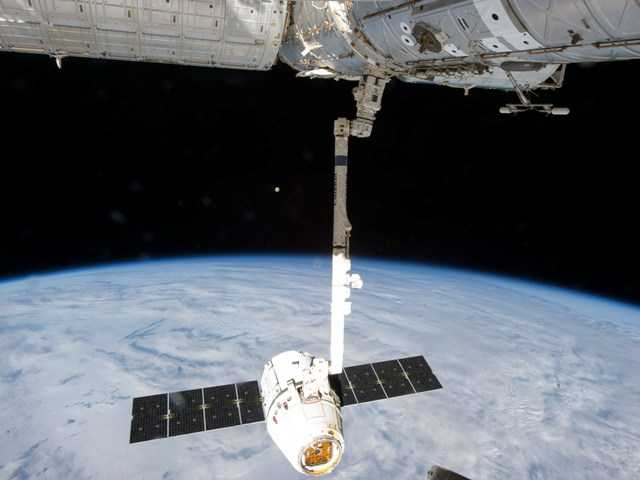 Rocket leak delays space station delivery launch