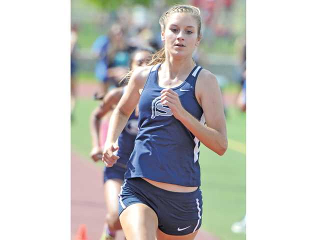 Saugus, Canyon track and field both sweep meets