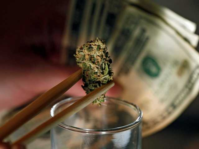 Colorado lawmakers approve plan for pot banking