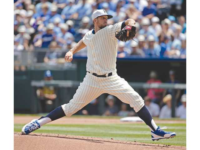 James Shields resumes hot streak with win