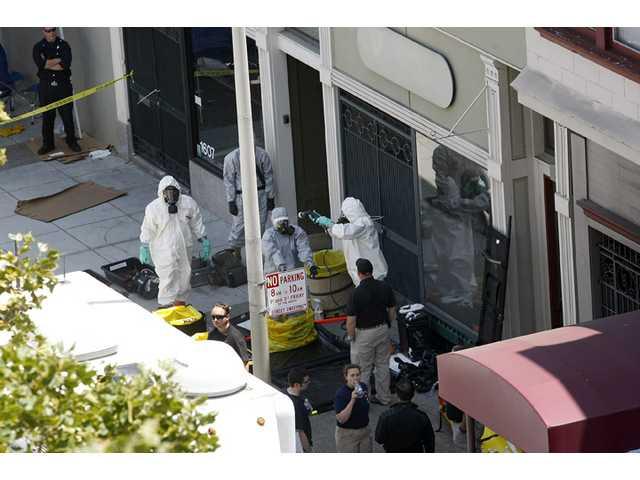 FBI: San Francisco man had bomb components
