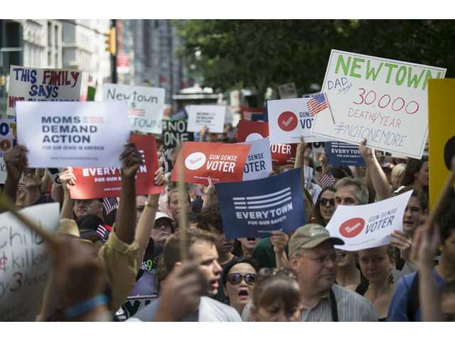 Gun control group marches across Brooklyn Bridge