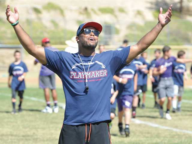 Shane Vereen camp offers fun, pointers to young football players