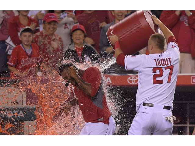 Kendrick lifts Angels in 10th inning