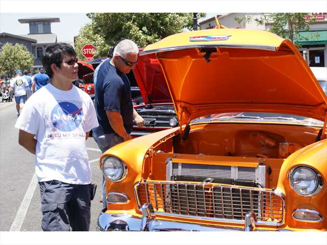 Newhall classic car show draws a crowd