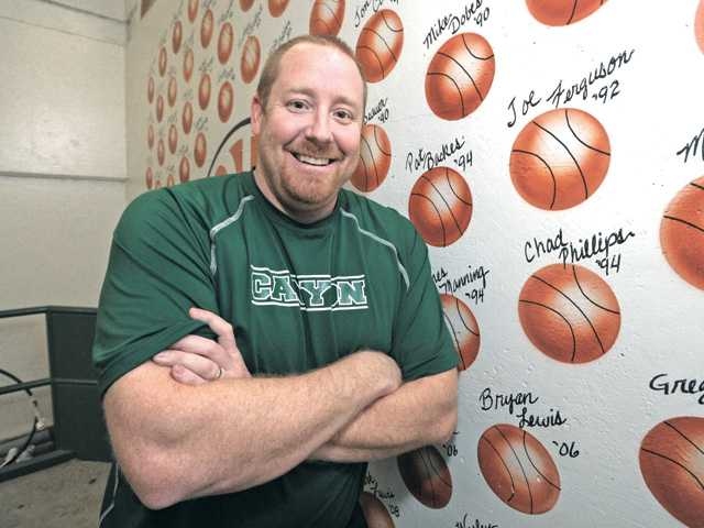 Valencia High hires Chad Phillips as boys hoops coach