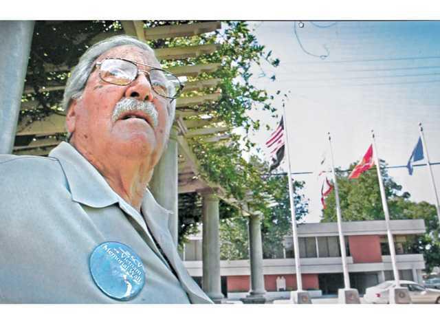 Wilk honors Chuck Morris as 'Veteran of the Year'