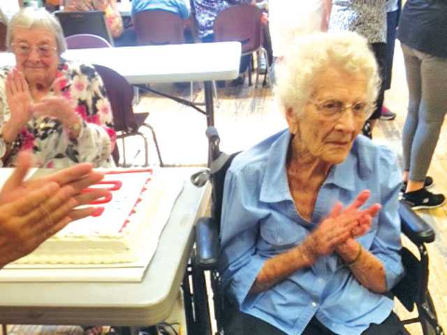 Santa Clarita woman turns 100
