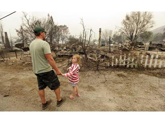 Destructive Washington fire empties another town