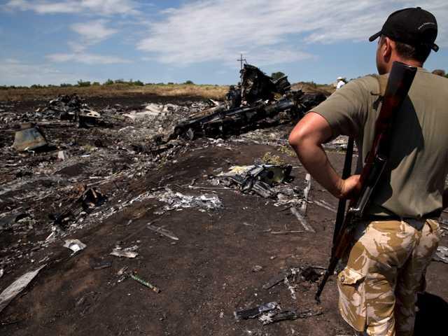 Rebels take full control of plane crash bodies