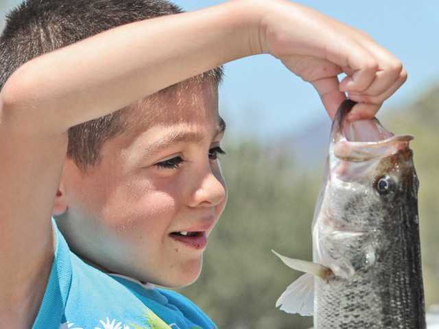 U.S. veterans take in fun and fish on Castaic Lake