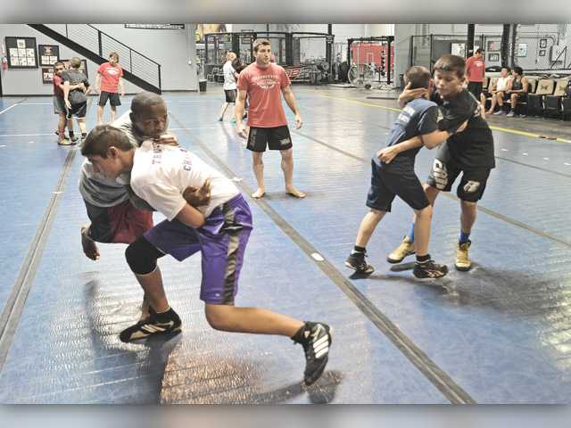 Valencia wrestling team ready to hit the mat