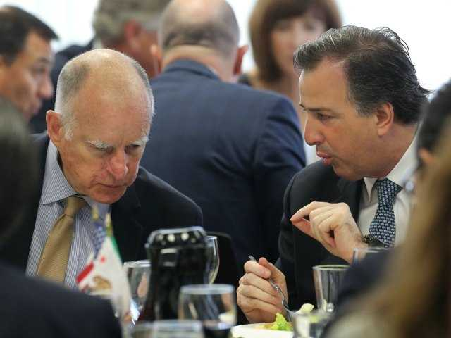 California governor takes dig at Texas guard plan