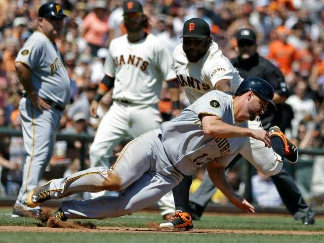 SF benefits from Pirates' blunder, ends skid at 6