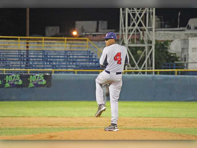SCV resident pitching well for USA Baseball