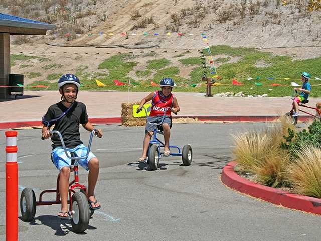 City warms up for 2014 Youth Sports and Healthy Families Festival
