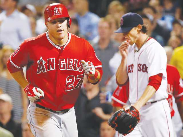 Hamilton drives in 3 runs in Angels win