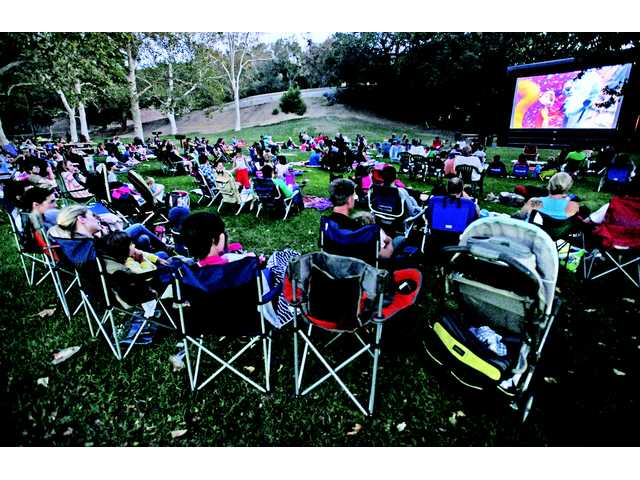 Free Family Movie Nights draw hundreds to Hart Park