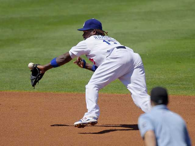 Dodgers lose to Mets, who turn triple play