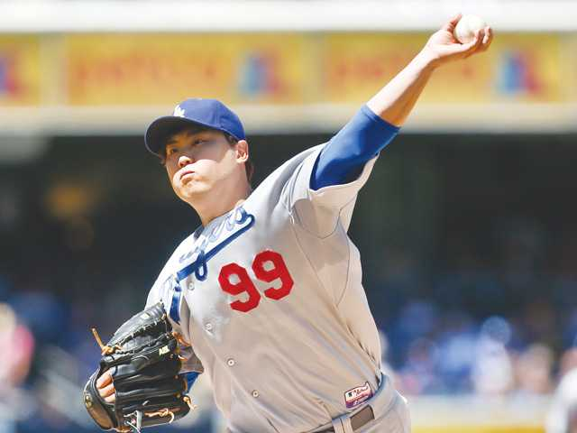 Ryu makes strong return as Dodgers win