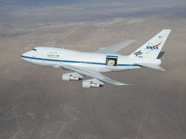 NASA flight tests new jumbo jet with opening in side