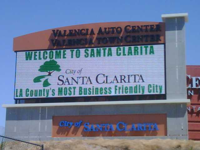 New sign welcomes travelers to Santa Clarita