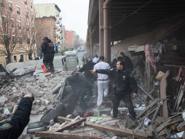 2 NYC buildings collapse in explosion, 1 dead