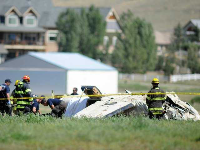 5 die in plane crash near Denver