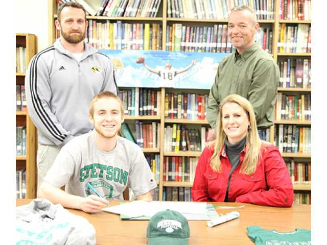 Phillips inks with Stetson University