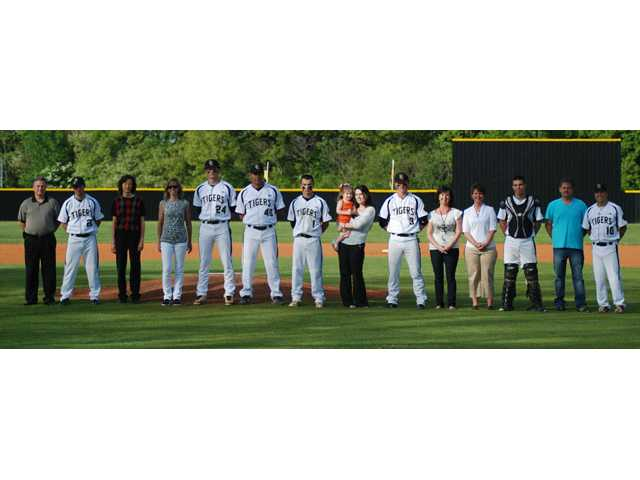 Baseball Tigers seniors honored during end-of-season game
