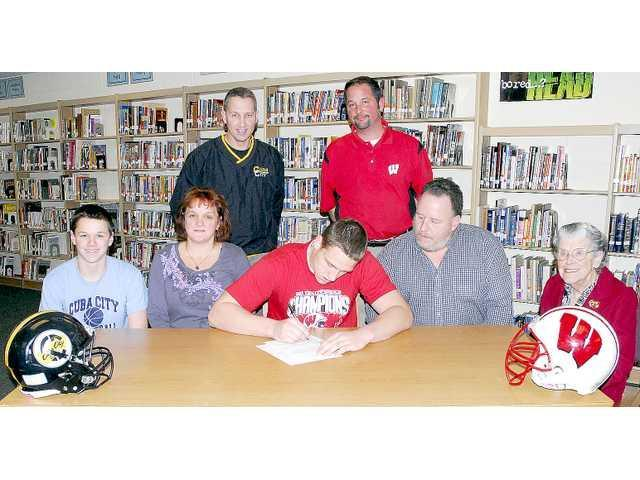Denlinger signs D1 preferred walk-on intent with the Badgers