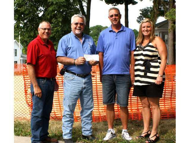 Donation made to veterans memorial