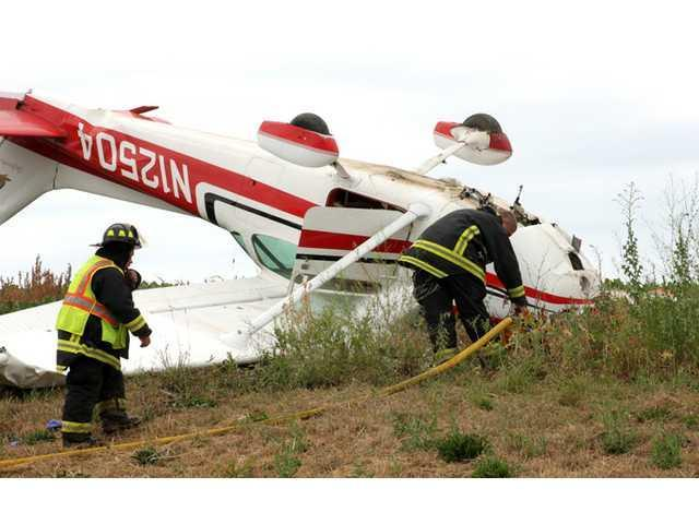 Airplane crashes near South Wayne